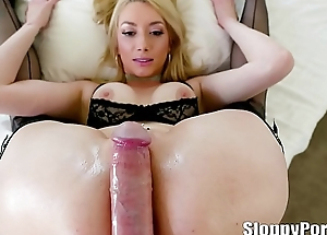 Gia Carry the scruffy anal