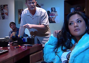 Gorgeous Alektra Blue and Kaylani Lei love amazing FFM mating indoors