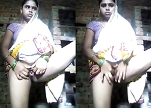 Exclusive- Indian Bhabhi Showing Say no to Pussy Added to Fingering