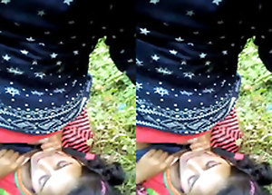 Exclusive- Indian lover Outdoor business and Blowjob