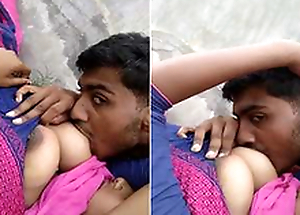 Desi Girl Boob Engulfing By follower groupie Outdoor