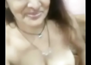 Gujrati married milf feeling horny nd attracting naked selfie AUDIO ADEED